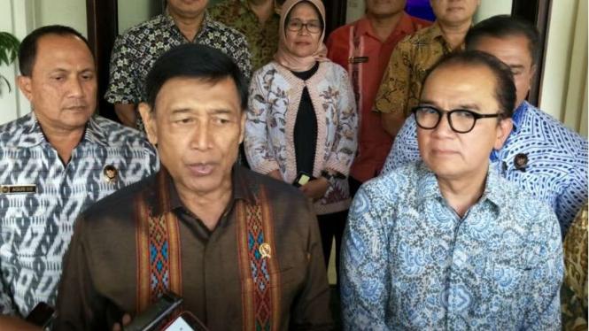 Menko Polhukam Wiranto dan Dubes RI untuk Selandia Baru Tantowi Yahya saat bertemu beberapa waktu lalu.
