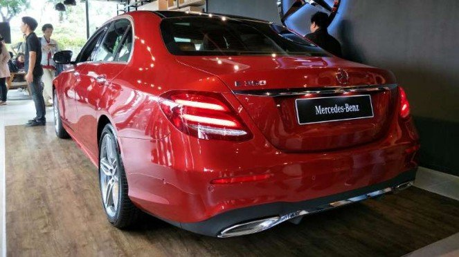 Mercedes-Benz E 350 EQ Boost