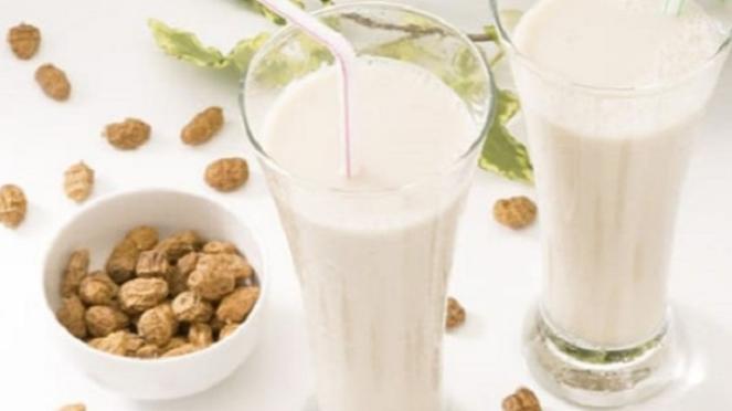 Susu penurun kolesterol dan asam urat.