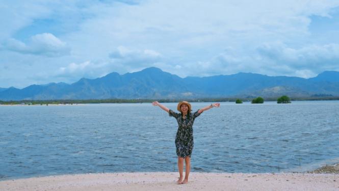 Pantai Gili Putih Bali.