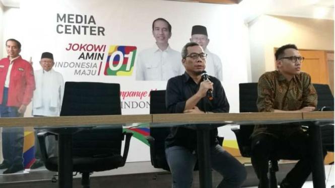 Direktur Komunikasi Politik TKN Jokowi-Ma'ruf, Usman Kansong.