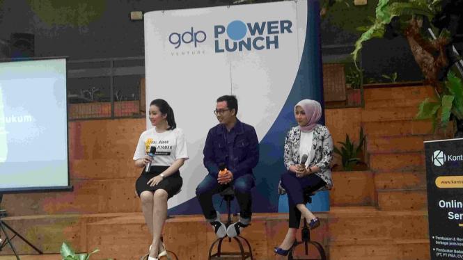 Konferensi pers platform hukum Indonesia, Kontrak Hukum