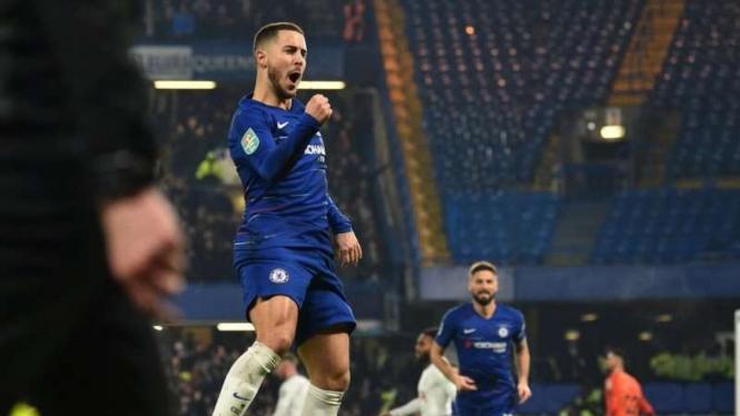 Bintang Chelsea, Eden Hazard, melakukan selebrasi usai mencetak gol