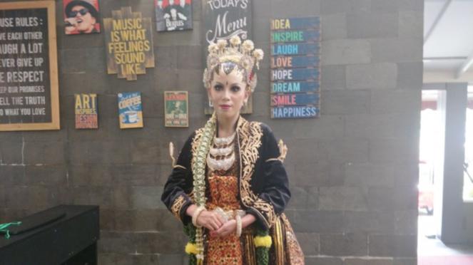 Busana pengantin Jawa di Gebyar Pernikahan Indonesia