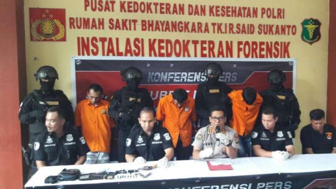 Polisi lumpuhkan kelompok begal asal Lampung.