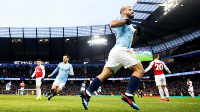 Striker Manchester City, Sergio Aguero mencetak hattrick ke gawang Arsenal