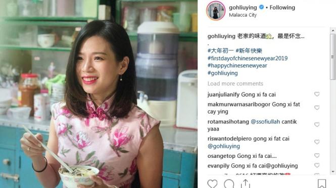 Pose cantik pebulutangkis Goh Liu Ying saat momen Tahun Baru Imlek