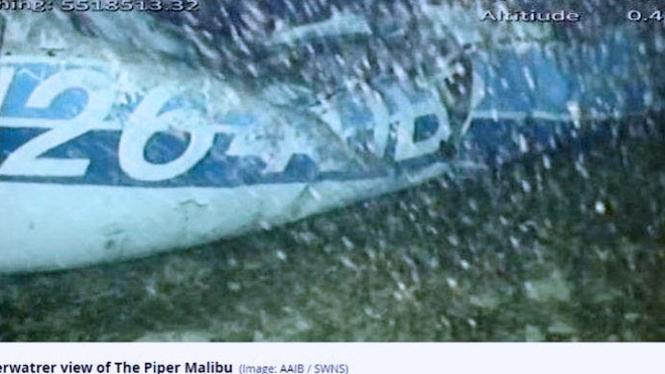 Puing pesawat Piper Malibu yang teridentifikasi di kedalaman 67 meter. (FOTO: AAIB/SWNS)