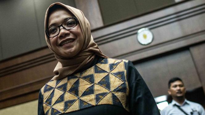 Terdakwa kasus suap PLTU Riau-1 Eni Maulani Saragih bersiap mengikuti sidang tuntutan, di Pengadilan Tipikor, Jakarta
