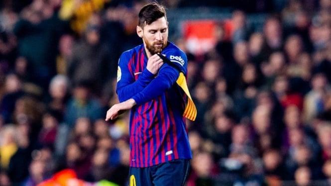 Bintang Barcelona, Lionel Messi baru masuk di babak kedua saat melawan Madrid