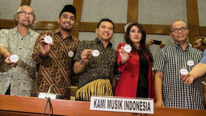 sorot musik dpr musisi indonesia