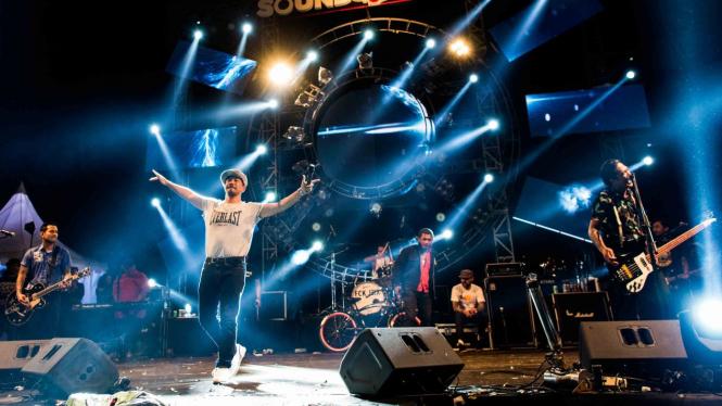 musik konser band pertunjukan superman is dead