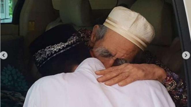 Ustaz Abdul Somad temui Mbah Moen