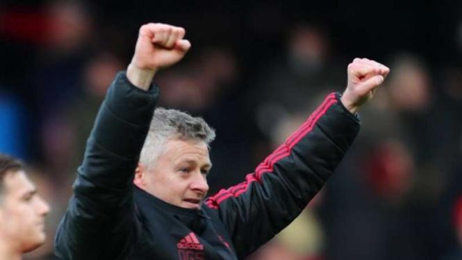 Manajer interim Manchester United, Ole Gunnar Solskjaer (kanan)