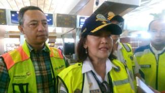 Direktur Jenderal Perhubungan Udara Polana B Pamestri di Terminal 3 Bandara Soekarno Hatta Tangerang, Minggu, 10 Februari 2019.