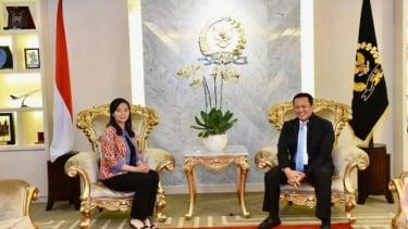Ketua DPR RI Bambang Soesatyo dan Livi Zheng, Sutradara Indonesia.