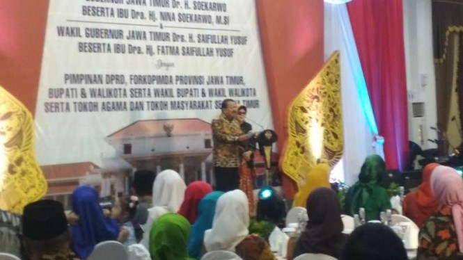 Gubernur Jawa Timur Soekarwo dalam acara Purna Tugas di Gedung Negara Grahadi, Surabaya, pada Senin malam, 11 Februari 2019.