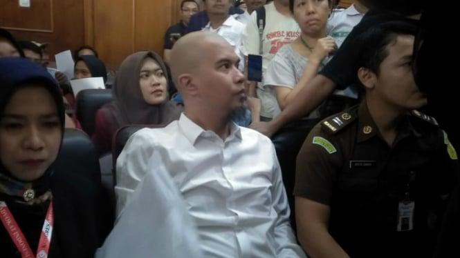 Ahmad Dhani jalani sidang kasus ujaran idiot di PN Surabaya