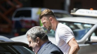 https://thumb.viva.co.id/media/frontend/thumbs3/2019/02/12/5c625382515a3-bomber-persija-jakarta-marko-simic-di-australia_325_183.jpeg