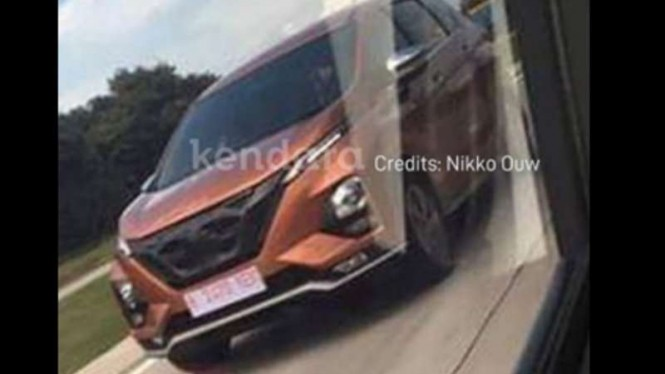 Nissan All New Livina kepergok di Tol Cipali.