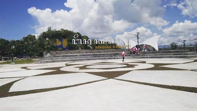 Bendungan Kamijoro, Bantul, Yogyakarta.