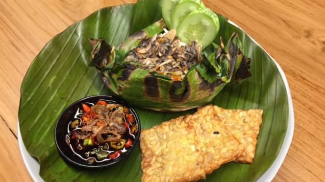Nasi Bakar Vegetarian, salah satu menu di RBOJ.