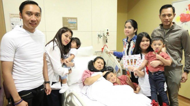 Kesehatan Ani Yudhoyono Terus Membaik