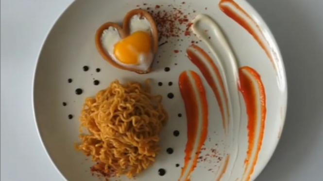 Memasak hidangan Valentine murah meriah.