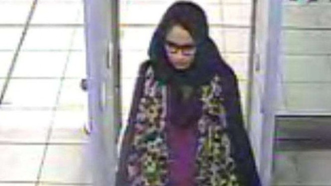 Shamima Begum meninggalkan Inggris di 2015 untuk bergabung dengan ISIS di Suriah