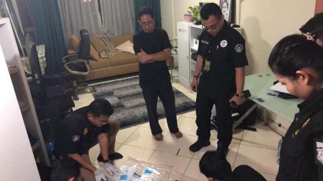 Satgas Antimafia Bola geledah apartemen Djoko Driyono.