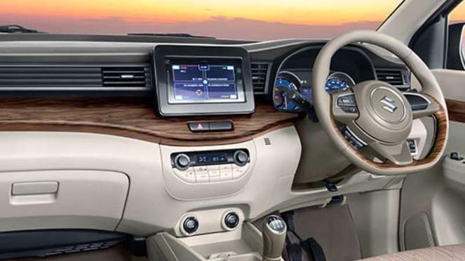 Interior Suzuki Ertiga versi India