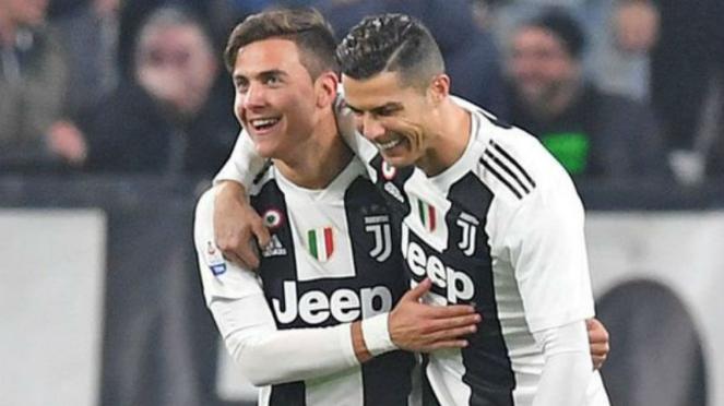 Cristiano Ronaldo dan Paulo Dybala saat merayakan gol