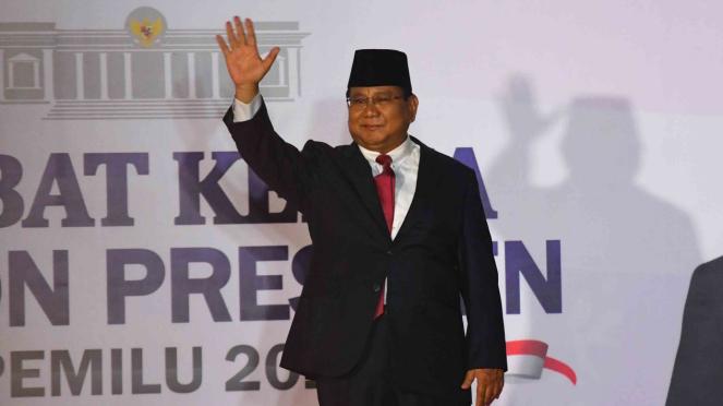 Capres nomor urut 02 Prabowo Subianto tiba untuk mengikuti debat capres 2019 putaran kedua di Hotel Sultan, Jakarta, Minggu, 17 Februari 2019.