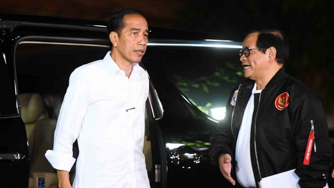 Presiden Joko Widodo dan Sekretaris Kabinet Pramono Anung.