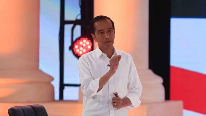 Dilaporkan Lagi Usai Debat, Jokowi: Enggak Usah Debat Saja