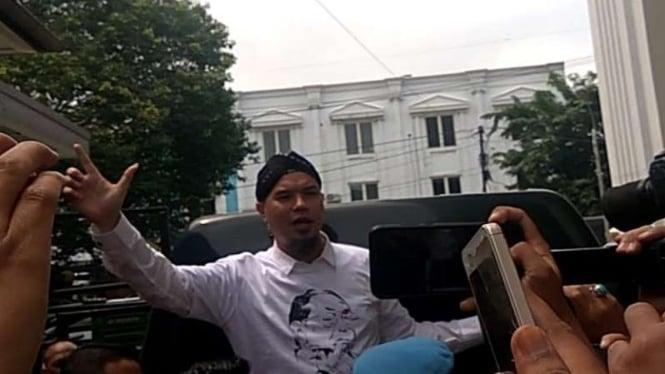 Ahmad Dhani di Pengadilan Negeri Surabaya