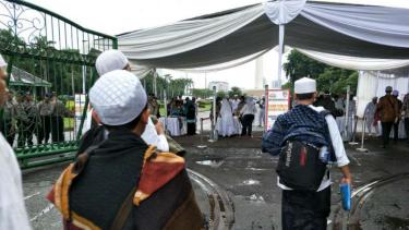 Peserta Munajat 212 mulai berdatangan ke Monas, Jakarta, Kamis, 21 Februari 2019