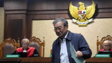 Tamin Sukardi (tengah) terdakwa suap atas Hakim Adhoc Tipikor Pengadilan Negeri Medan.