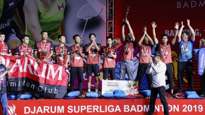 Klub PB Djarum Kudus di podium juara Superliga Badminton 2019