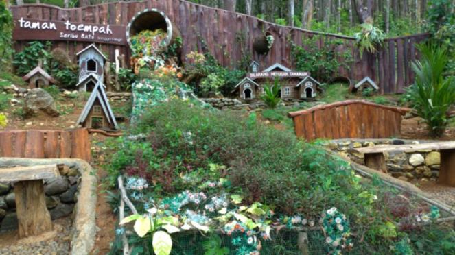Wisata Bak Negeri Dongeng Di Seribu Batu Songgo Langit