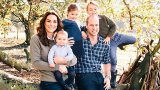 William, Kate Middleton dan ketiga anaknya