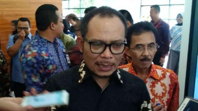 Menteri Ketenagakerjaan Muhammad Hanif Dhakiri di sela meresmikan studio fashion di Balai Besar Pengembangan Latihan Kerja (BBPL) Semarang, Jawa Tengah, pada Selasa, 26 Februari 2019.