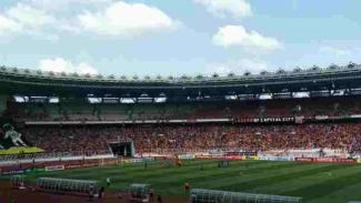 Suporter Persija, The Jakmania di Stadion Utama Gelora Bung Karno (SUGBK)