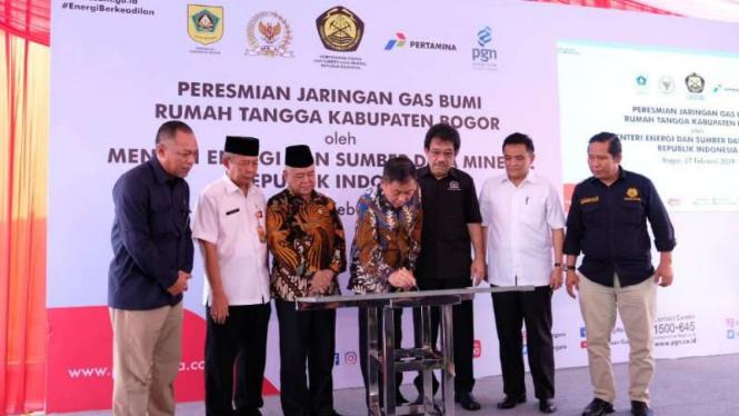 PGN resmikan jaringan gas bumi baru untuk masyarakat di Bogor.