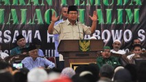 https://thumb.viva.co.id/media/frontend/thumbs3/2019/02/27/5c7656647e29b-safari-prabowo-subiyanto-di-temanggung_213_120.jpg