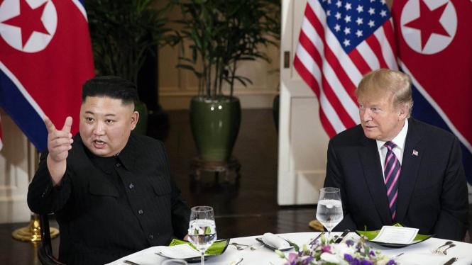 Trump Mengaku Terima Surat Indah dari Kim Jong-un