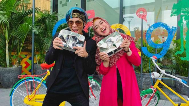Youtuber Atta Halilintar (kiri) dan Ria Ricis (kanan)