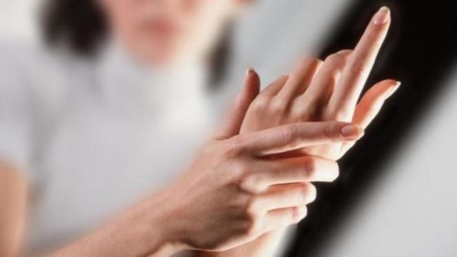 Ilustrasi wanita penderita osteoartritis.