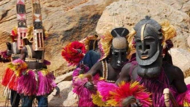 Suku Dogon di Afrika.