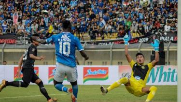 Duel Persib Bandung vs Tira Persikabo